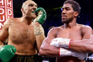 Joshua and Fury sign two title unification fight involving a 50: 50 split of the purse
