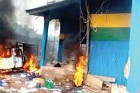 Four killed including an inspector after armed gunmen attack police headquarters in Imo State