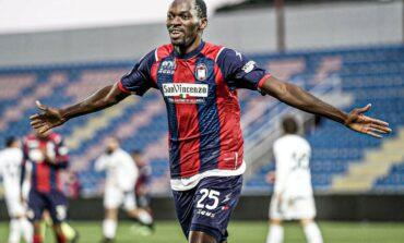 Super Eagles striker Nwankwo Simy set to snub Spurs and remain in Italy with Salernitana